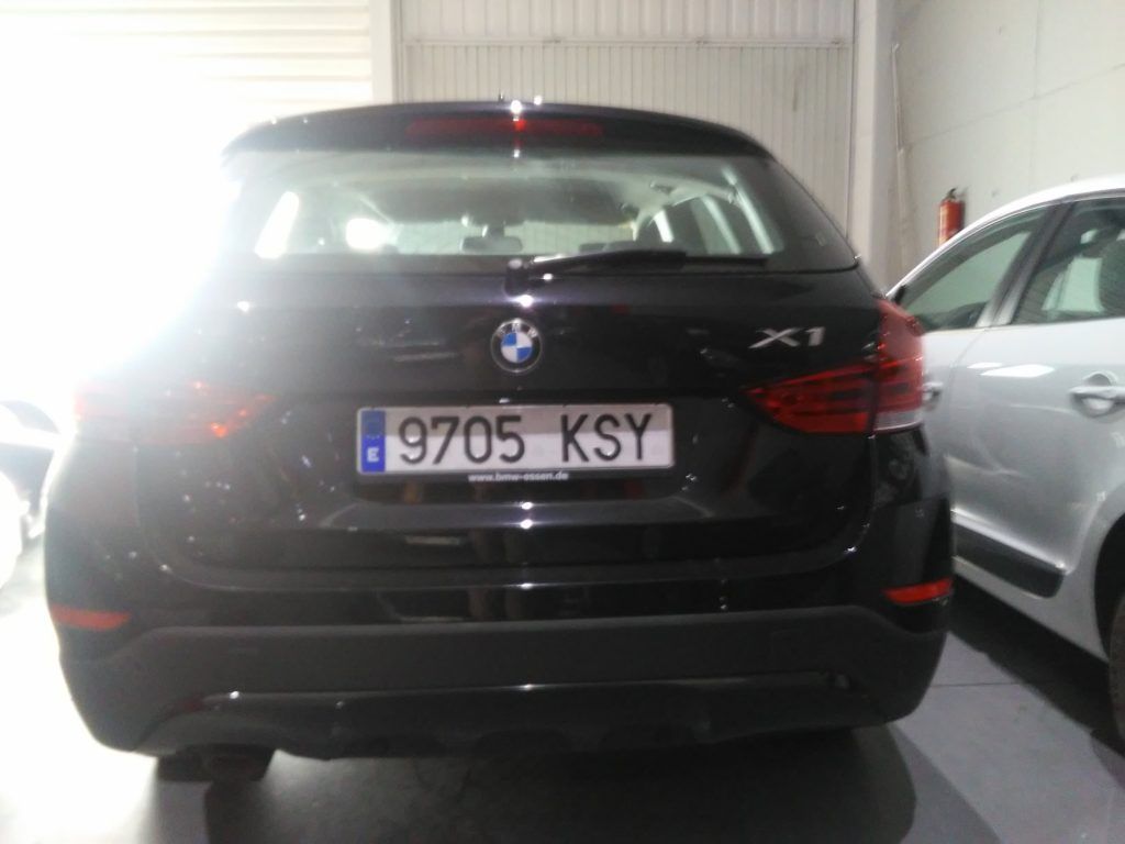 BMW X1 sDrive20d EfficientDynamics Edition (11)-min