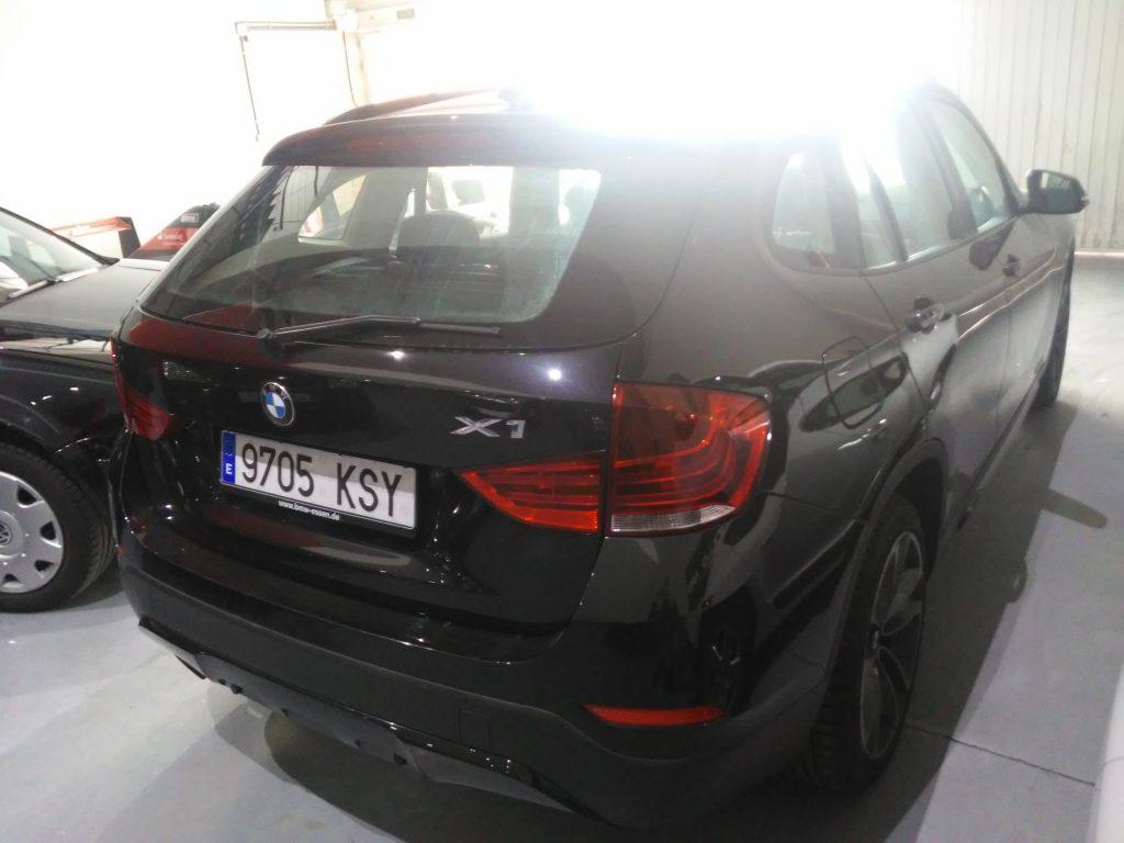BMW X1 sDrive20d EfficientDynamics Edition (12)-min