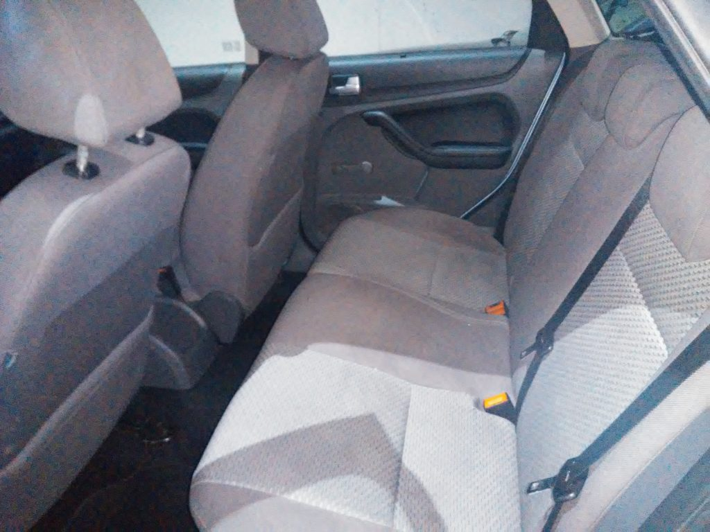 FORD - FOCUS 1. 6 TREND (2)-min