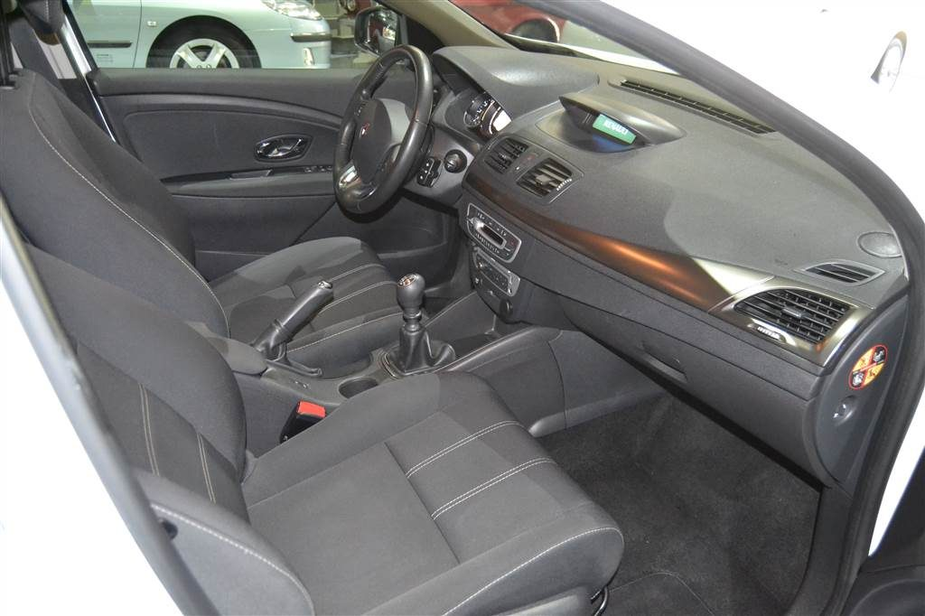 RENAULT MEGANE BUSINESS ENERGY DCI 110 SS ECO2 (3)-min