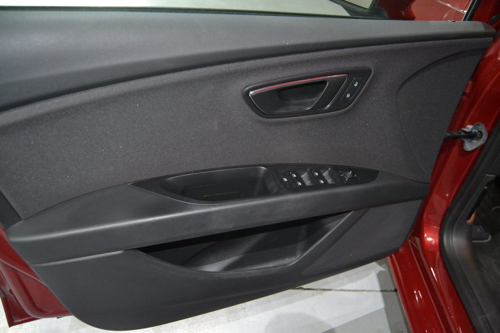 SEAT León ST 1.6TDI CR S&S Style 110 (1)