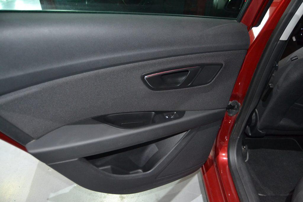 SEAT León ST 1.6TDI CR S&S Style 110 (2)