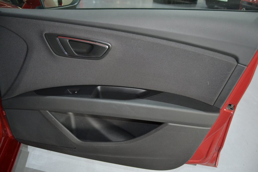SEAT León ST 1.6TDI CR S&S Style 110 (5)