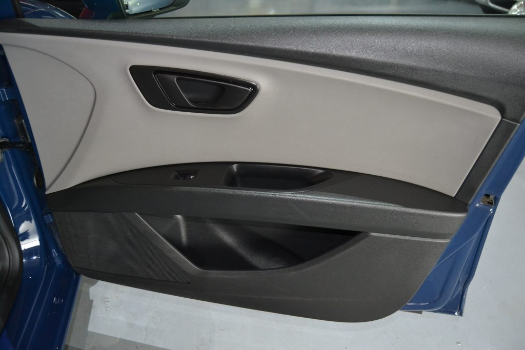 SEAT Leon 1.6 TDI 90CV Reference Plus (7)