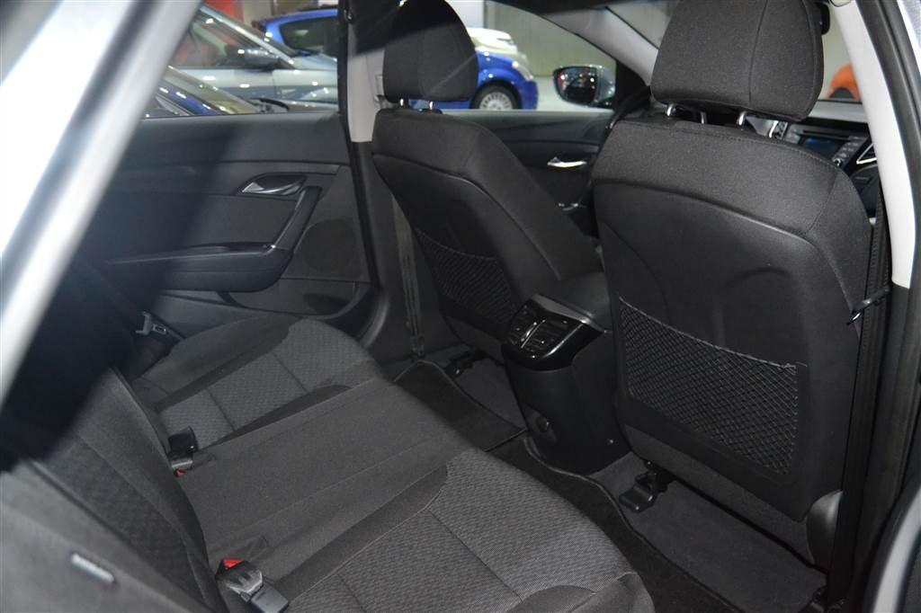 HYUNDAI i40 1.7 CRDi 115cv BlueDrive Klass (28)-min