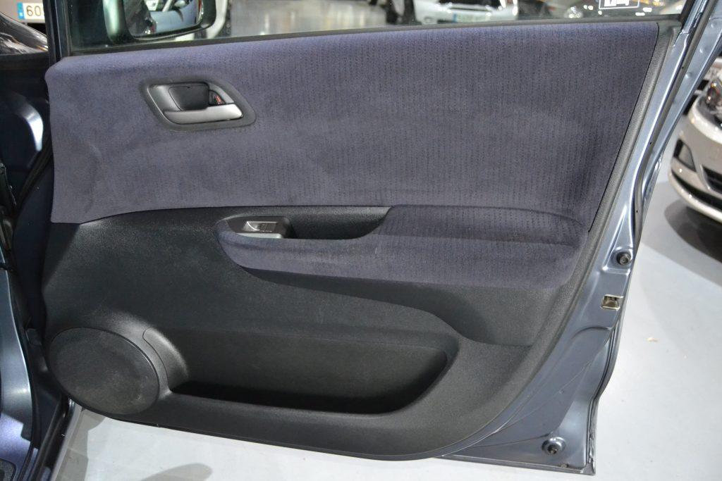 Honda FR-V 2.2i-CTDI Executive (10)