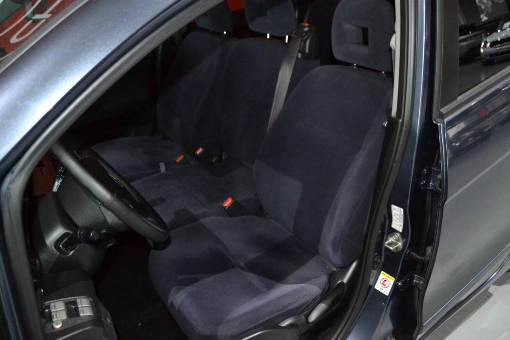 Honda FR-V 2.2i-CTDI Executive (4)