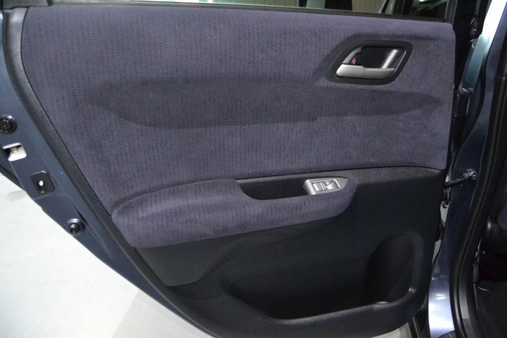 Honda FR-V 2.2i-CTDI Executive (5)