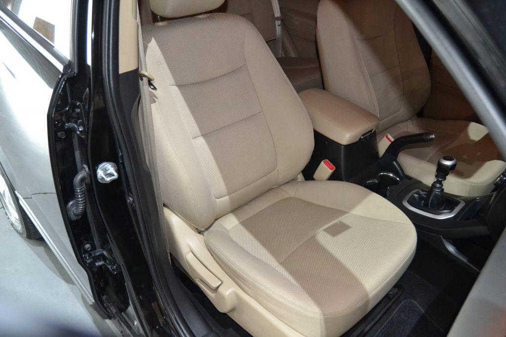KIA Sorento 2.0 CRDi 150cv Drive (14)