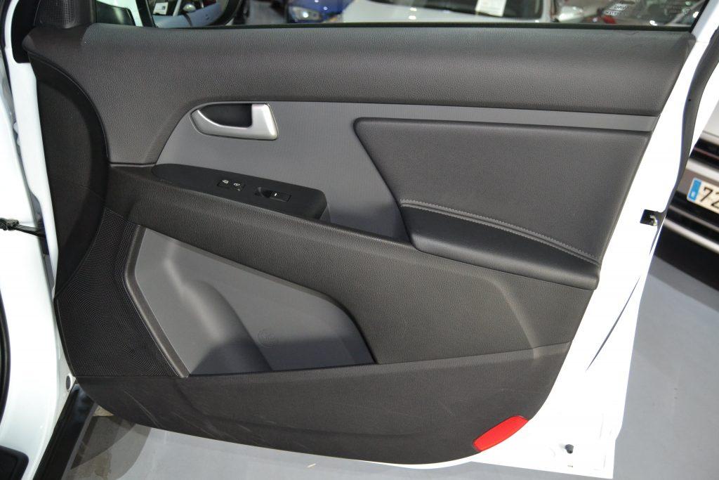 KIA Sportage CRDI VGT Drive 4x4 (7)