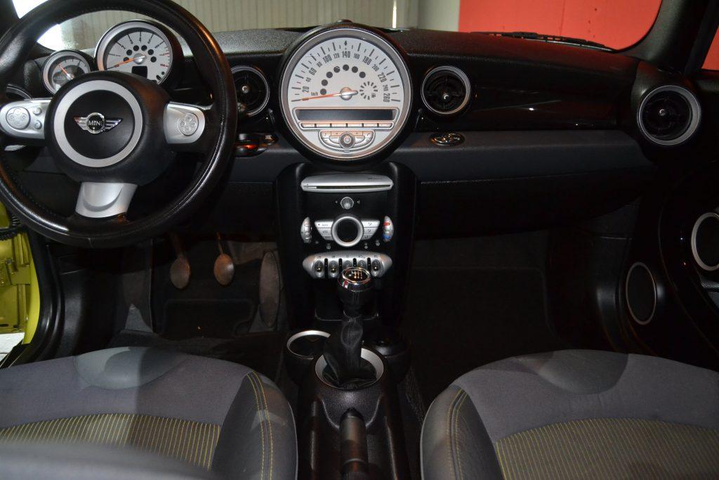 MINI Cooper Cabrio (4)